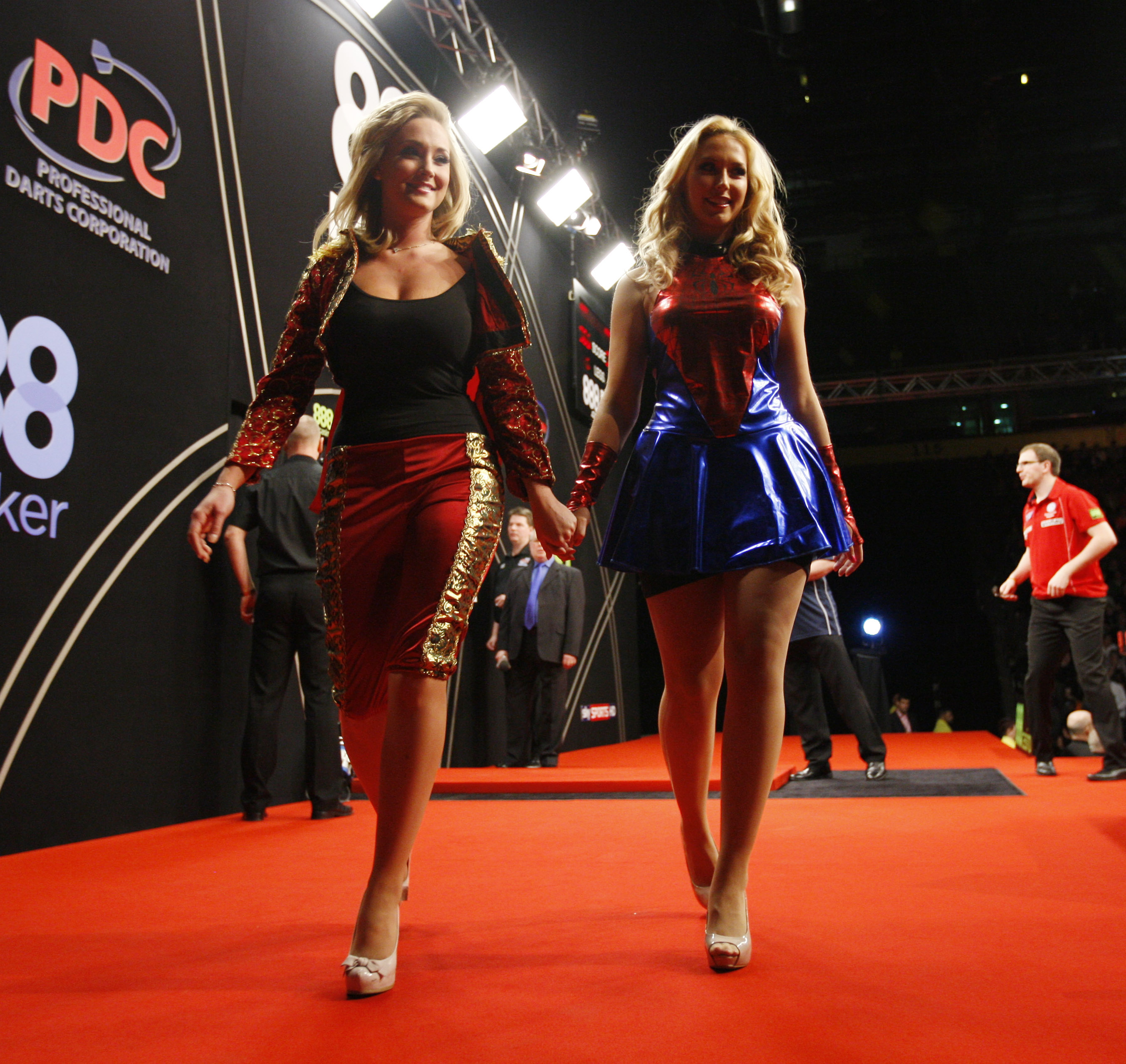 Walk On Girls Darts
