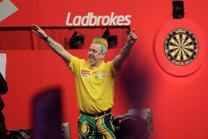 LADBROKES WORLD DARTS CHAMPIONSHIP 2014 ALEXANDRA PALACE,LONDON PIC;LAWRENCE LUSTIG ROUND 3 PETER WRIGHT V MICHAEL SMITH PETER WRIGHT WINS