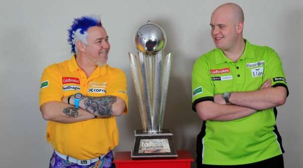 peter-wright-michael-van-gerwen-with-the-sid-waddell-trophy-ladbrokes-world-darts-championship-lawrence-lustig-pdc_dg9bgghgcau518jwhoxma0din
